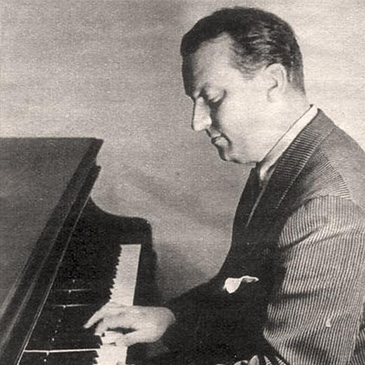 Theo Mackeben am Piano